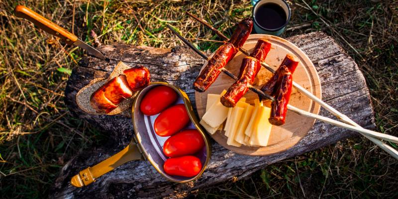 How To Keep Your Food Fresh While Camping 1